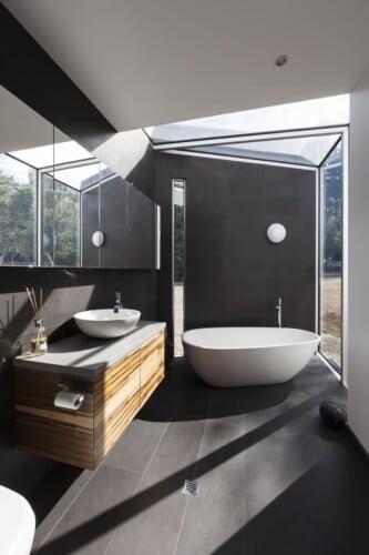 Yellingbo Bathroom 1 333x500, Michael Ellis Architects