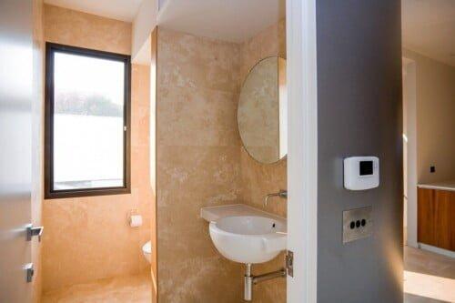 Elwood Office Bathroom 500x333, Michael Ellis Architects